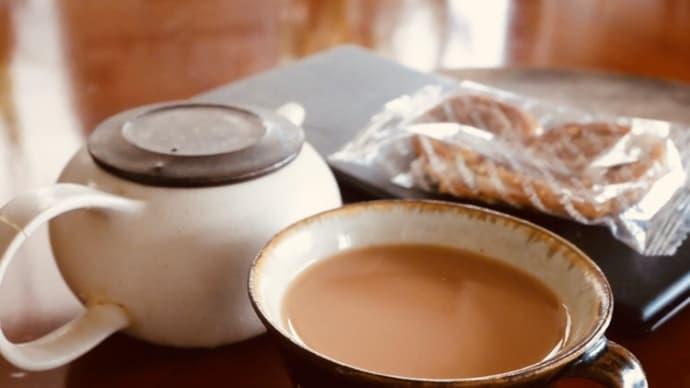 ディンブラ(紅茶)にいれるミルクには