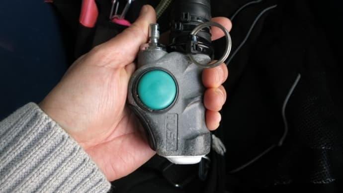 TUSAのインフレーターボタンが潮つまり等でエアーが入りっぱなしになる意外な理由