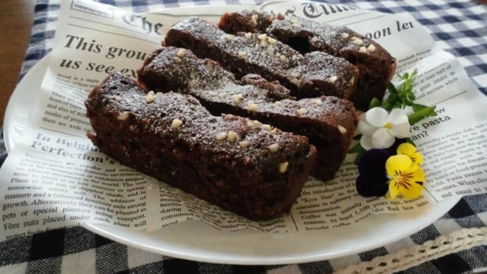 レンジで簡単なチョコレートケーキと、サトーココノカドー。
