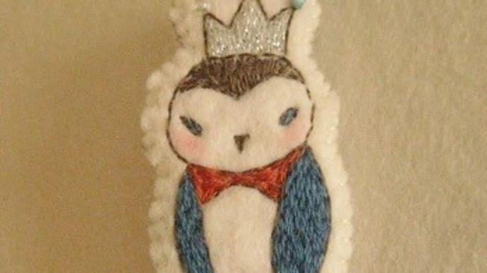 鳥の刺繍ブローチ