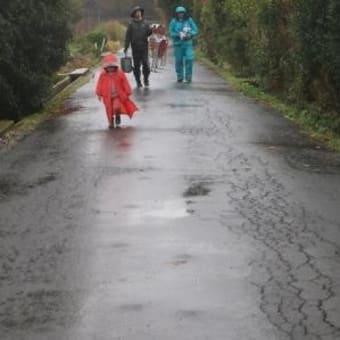 雨に祟られた収穫祭それでも決行する。