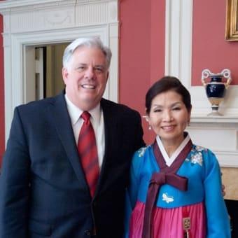 トランプ大統領、正直すぎる:【韓国報道】米メリーランド州知事「トランプ氏は文氏が嫌い」「韓国人を『ひどい人々』と呼んだ」