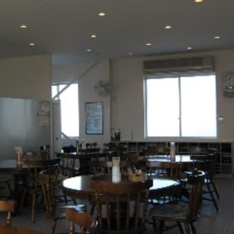 社員食堂の内装工事を行いました。