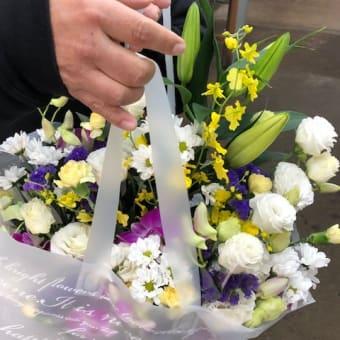 釣り仲間のオヤジ5人で花を買いました。