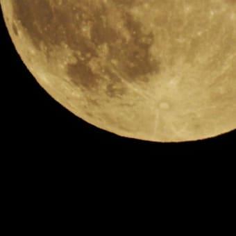 満月と花火