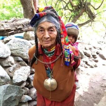ラダック ドロクパ族の人々とダー・ハヌー