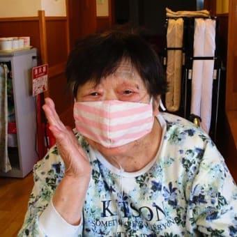 マスクを作っています(^^♪