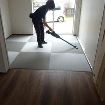 新畳の敷き込み