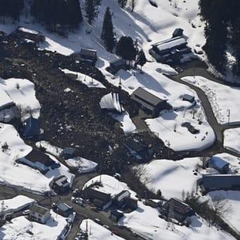 新潟・糸魚川市で大規模地滑り 住宅など6棟が被害