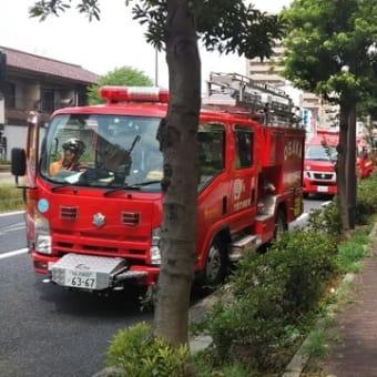 本日昼飯食べにカウボーイ家族湯里店に行く途中、サンヴァリエ針中野の前で消防車とすれ違い。7階で誰か死んでいた模様。