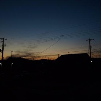 冷え込み、朝焼け、月