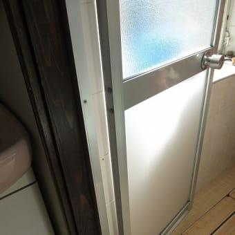 ガラスをポリカ樹脂板に交換 安全性の向上