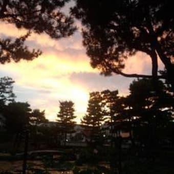 夕暮れの相国寺