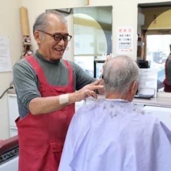 46年続けた理容店閉店へ 県聴覚障害者協理事長の松浦さん