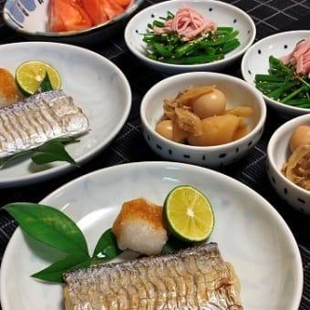 太刀魚の塩焼きとネギのサラダ。