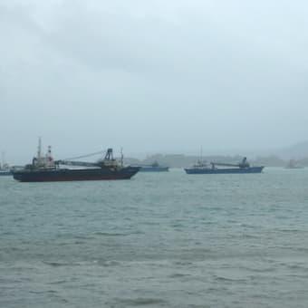 台風対策と辺野古の埋め立て工区、大浦湾、羽地内海の様子。
