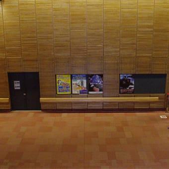 【人が映らない駅写真が撮れる 「地域材タモ壁」の旭川】