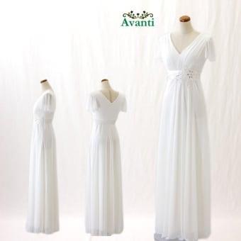ロングドレス349 クリスマスシーズンにぴったりの白のロングドレス 演奏会 パーティー 結婚式 花嫁の二次会