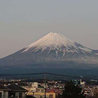 今日の夕日を浴びた富士山