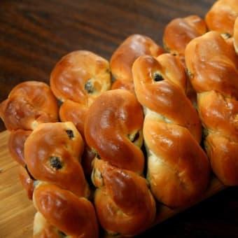 レーズンツイストは子ども達にも大人気☆彡横浜の美味しいパン かもめパンです(*^^)v