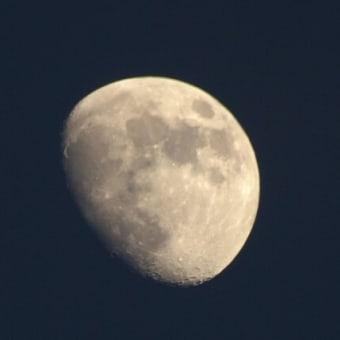 ぽっかり月が