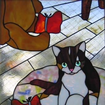 ステンド・グラス:長ぐつをはかされちゃった猫
