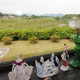 カフェから見える山々