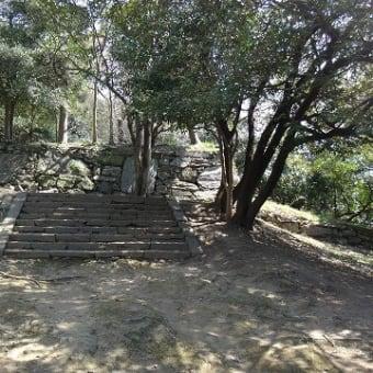 36.61mの城山 徳島城跡へ昇る