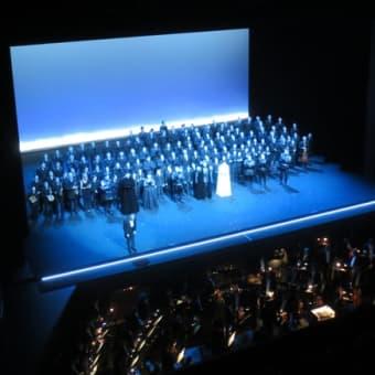 華が咲くオペラ劇場