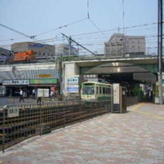 「歓喜の歌」:大塚駅前バス停付近の会話