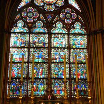 キリスト教にとって最も重要な祭日「イースター」の前のノートルダム大聖堂の火災!
