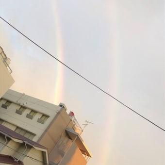 昨日の夕方 大阪市内に二重の虹が💛