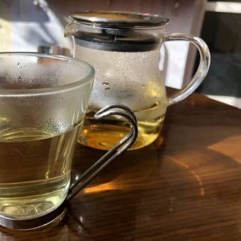 写真展と野草茶