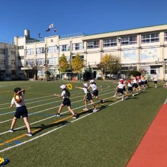 足立区立古千谷小学校でリングビーの出張授業(2020年11月)