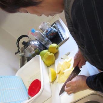 花梨のシロップ漬け作り!