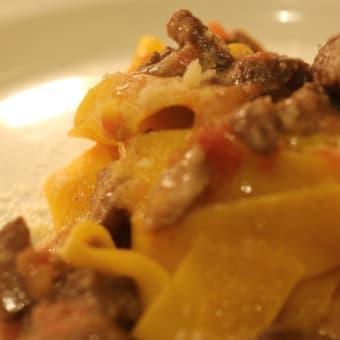 今日のパスタ335 ガチョウの肉のミートソースで和えたフェットゥチーネ