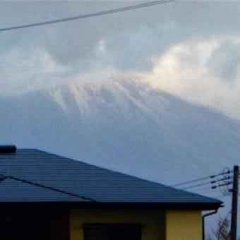 20-10-24 山は雪