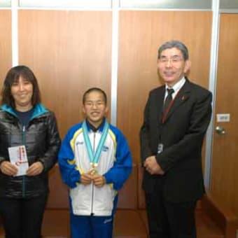 小学4年生の矢頭駿平さんが水泳で全国優勝!