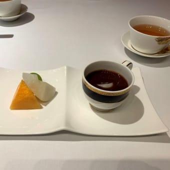 ザ・リッツ・カールトン大阪「香桃」にてランチ