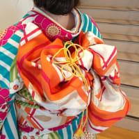 ショートヘアの卒業式の女袴