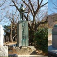 秋山兄弟の像-1