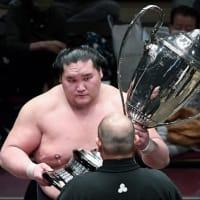 スポーツ No.224 『新横綱照ノ富士優勝の日に、白鵬引退報道』