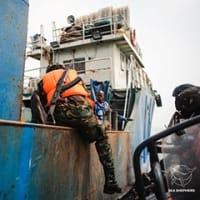 シエラレオネは、違法な漁業トロール船に対する戦いを激化する