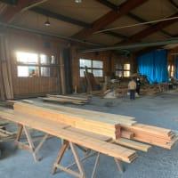 完成見学会 と 材木市