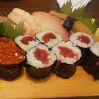 地元で人気の寿司屋で贅沢に一杯