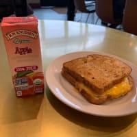 旅行最終日の朝食の後の災い in Peet's Coffee