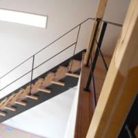 シンプルモダンな階段手摺り&吹き抜け手すり