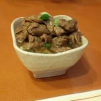 千葉県 ローカルチェン肉飯 うまうま 超肉肉しい 弾力ハンバーグ (うまいっす) カウベル みつわ台店