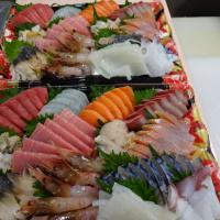 北海道の新鮮なお刺身を食べて元気だしていきましょう!!刺身と手作り干物の専門店「発寒かねしげ鮮魚店」。