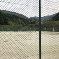 テニスコート4面、新オムニコートでのプレー開始